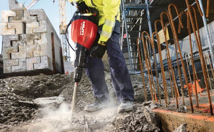 How Breakers Are Used on the Construction Site